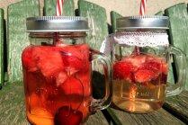 Ar alkoholu un bez: divu veidu augļu boles