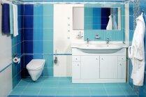 Jūras noskaņa vannasistabā jeb Zilo nokrāsu spirgtums
