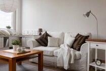 Vērtīgi ieteikumi, kā nelielu viesistabu padarīt vizuāli plašāku