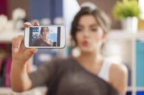 Perfektu fotogrāfiju noslēpumi: fotogēnisku sieviešu padomi ideāli iemūžinātiem mirkļiem