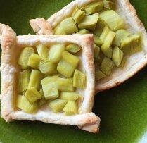 Kārtainās mīklas maizītes ar rabarberiem