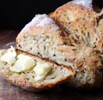 Kefīra un linsēklu maize