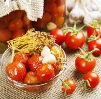 Как приготовить помидоры в томатном соке на зиму
