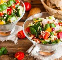 14 ātri un vienkārši pagatavojami salāti ar kuskusu un bulguru darbdienu vakariņām