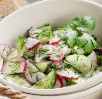 Ņiprie redīsu un gurķu salāti