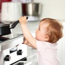 Как уберечь детей от несчастного случая дома