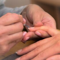 Необычное применение лака для ногтей в быту