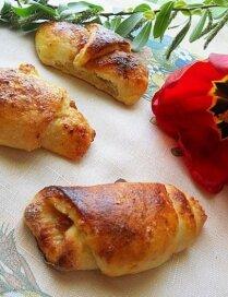 Biezpiena mīklas pīrādziņi ar džemu