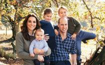 Britu karaliskā ģimene iepriecina ar neredzētiem foto