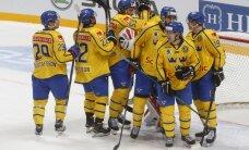 Latvijas hokeja izlases pretinieču duelī Zviedrija sagrauj Čehiju