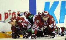 Rīgas 'Dinamo' divreiz atspēlējas, bet zaudē Minskas 'Dinamo'