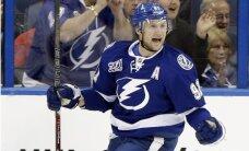 'Lightning' komandas uzbrucējs Stemkoss atzīts par NHL mēneša labāko spēlētāju