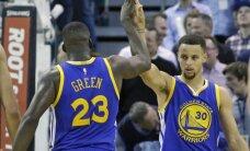 NBA čempione 'Warriors' ar uzvaru sāk titula aizstāvēšanu