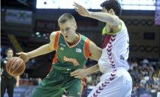 Porziņģis ar 19 punktiem palīdz 'Sevilla' komandai uzvarēt ACB spēlē