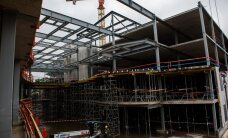 Stradiņa slimnīcas jaunā korpusa būvniecībai piesaista vairāk strādniekus