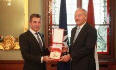 NATO ģenerālsekretāram piešķir augstu Latvijas apbalvojumu