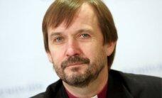 Luterāņi plāno savā Satversmē nostiprināt sieviešu ordinācijas aizliegumu, vēsta LTV