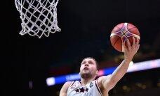 Strēlnieks ar 24 punktiem palīdz 'Brose Baskets' pagarināt uzvaru sēriju Vācijas bundeslīgas mačos