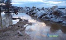 Plūdi Latvijā: valdība piektdien lems par ārkārtas stāvokļa izsludināšanu