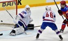 Krievijas hokejisti 'sausā' sakauj Latvijas pēdējos pretiniekus norvēģus