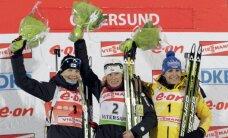 Bergerai pārliecinoša uzvara Pasaules kausa biatlonā pirmā posma iedzīšanas sacensībās
