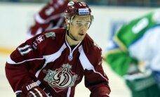 Rīgas 'Dinamo' turpina meklēt 'vainīgos' - Dārziņu kapteiņa amatā nomaina Sotnieks