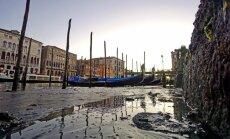 Foto: Neparasti kadri – gandrīz sausi Venēcijas kanāli