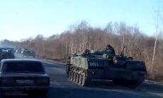 Video: Aptuveni 60 kilometrus no Latvijas robežas nofilmē Krievijas militārās tehnikas kolonnu