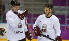 Latvijas hokejistiem nebūs pārbaudes spēles pret Austriju, treniņus aizvada nemainīgos virknējumos