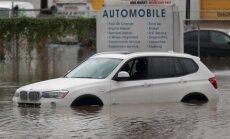 ASV plūdos iznīcināts pusmiljons auto; daļa atgriezīsies otrreizējā tirgū