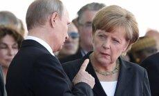 Kremlis brīdina Merkeli rūpīgāk izvēlēties vārdus par Krievijas uzlidojumiem Sīrijā
