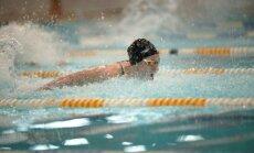 Peldētāja Ņikitina Latvijas čempionātā labo valsts rekordu 50 metros tauriņstilā