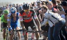 Olimpiskais čempions Van Avermāts uzvar leģendārajā Parīzes - Rubē velobraucienā; Smukulis un Saramotins finišu nesasniedz