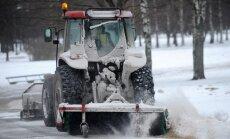 Pēcpusdienā snigšana mitēsies, prognozē sinoptiķi