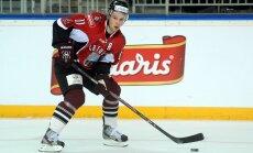 Latvijas hokejisti līdzīgā cīņā pieveic Francijas valstsvienību