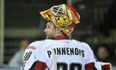 Arī Punnenovs nevarēs palīdzēt Latvijas hokeja izlasei PČ, treneru korpusu pametis Ankipāns