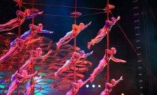 Fotoreportāža: Pirmizrādi Rīgā piedzīvo 'Cirque du Soleil' izrāde 'Saltimbanco'