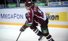 Foto: Rīgas 'Dinamo' savu skatītāju priekšā iemet piecus vārtus