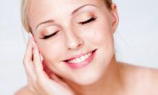 sieviete āda skaistumkopšana seja