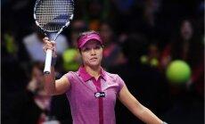 Na Li iekļūst WTA sezonas noslēguma turnīra pusfinālā