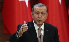 Erdogans pauž vēlmi Parīzē tikties aci pret aci ar Putinu