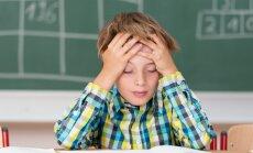 Pediatre: bērniem lielāku stresu rada attiecības ar vienaudžiem, nevis atzīmes