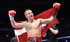 Briedis ar kārtējo nokautu gūst Latvijas boksam vēsturisku uzvaru