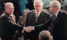 Bosnijā vīrietis mēģina pārdot Deitonas līguma oriģinālu