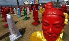 Dienas ceļojumu foto: Milzīgas, krāsainas Terakotas armijas statujas pie Sidnejas operas