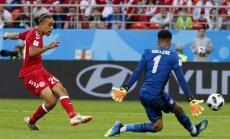 Dānijas futbolisti PK spēlē pārtrauc Peru izlases 15 nezaudēto spēļu sēriju