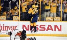 Nešvilas 'Predators' Stenlija kausa pusfinālā vēlreiz uzvar Anaheimas 'Ducks'