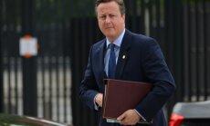 Кэмерон пообещал передать дела новому премьеру Терезе Мэй в среду