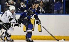 Pārtrūkst 'Blues' hokejista Būmīstera 737 pēc kārtas aizvadīto spēļu sērija
