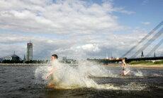 Ūdens temperatūra upēs un ezeros paaugstinās